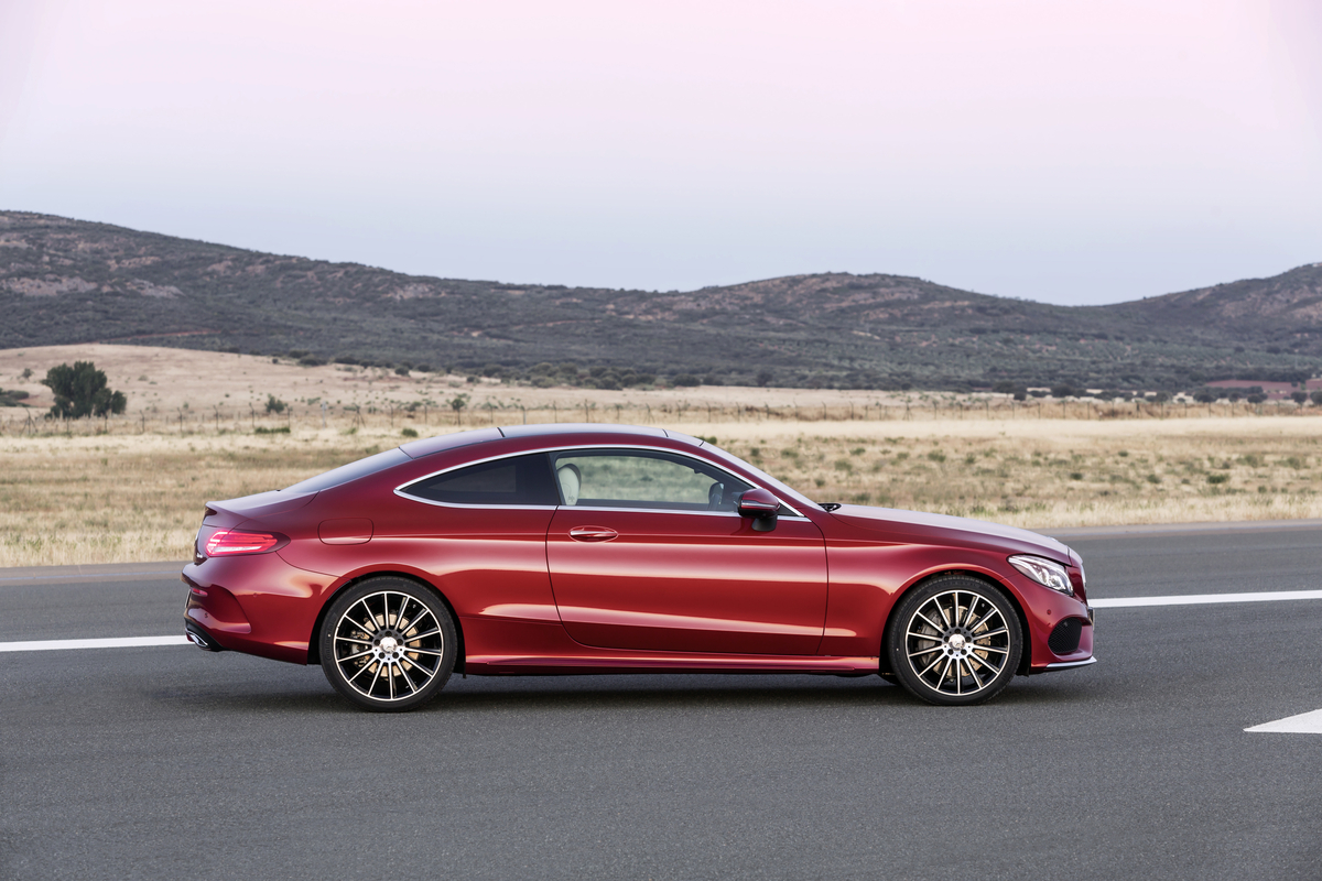 2017 mercedes benz c class coupe the news wheel. Black Bedroom Furniture Sets. Home Design Ideas