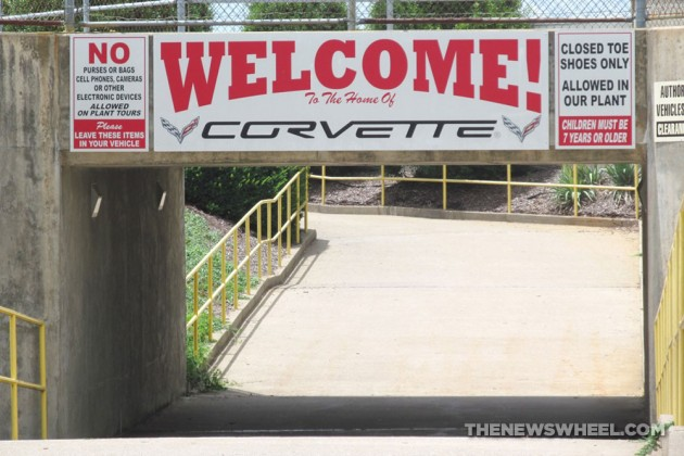 Chevrolet-Corvette-Plant-Tour-Welcome-Tunnel