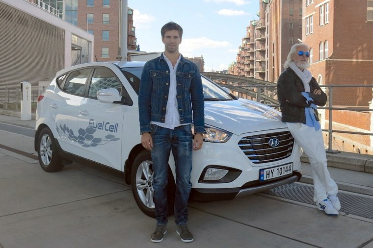 Hyundai ix35 Fuel Cell travels record-breaking European Trip