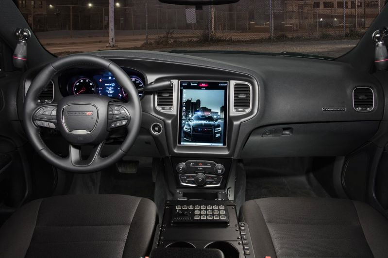 Dodge Charger Pursuit Gets Enormous Dashboard Computer The News Wheel