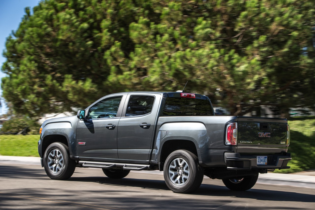 2016 gmc canyon all terrain 1 the news wheel. Black Bedroom Furniture Sets. Home Design Ideas