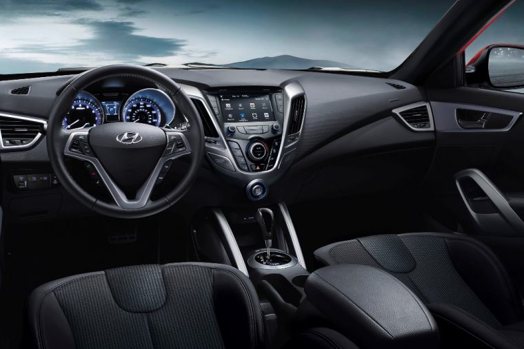 2016 Hyundai Veloster Overview dashboard