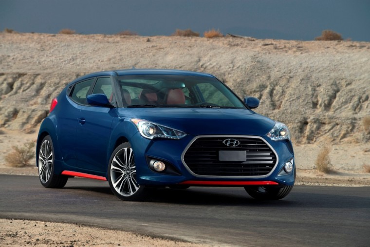 2016 Hyundai Veloster R-Spec overview