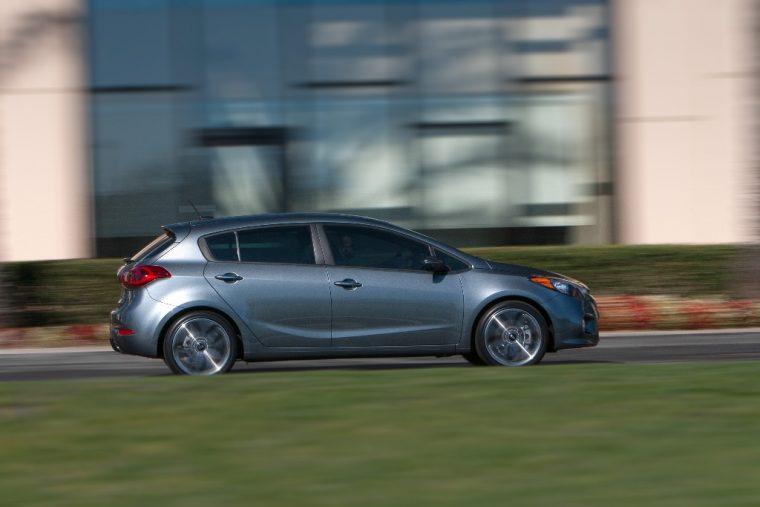2016 Kia Forte5 Silhouette Driving