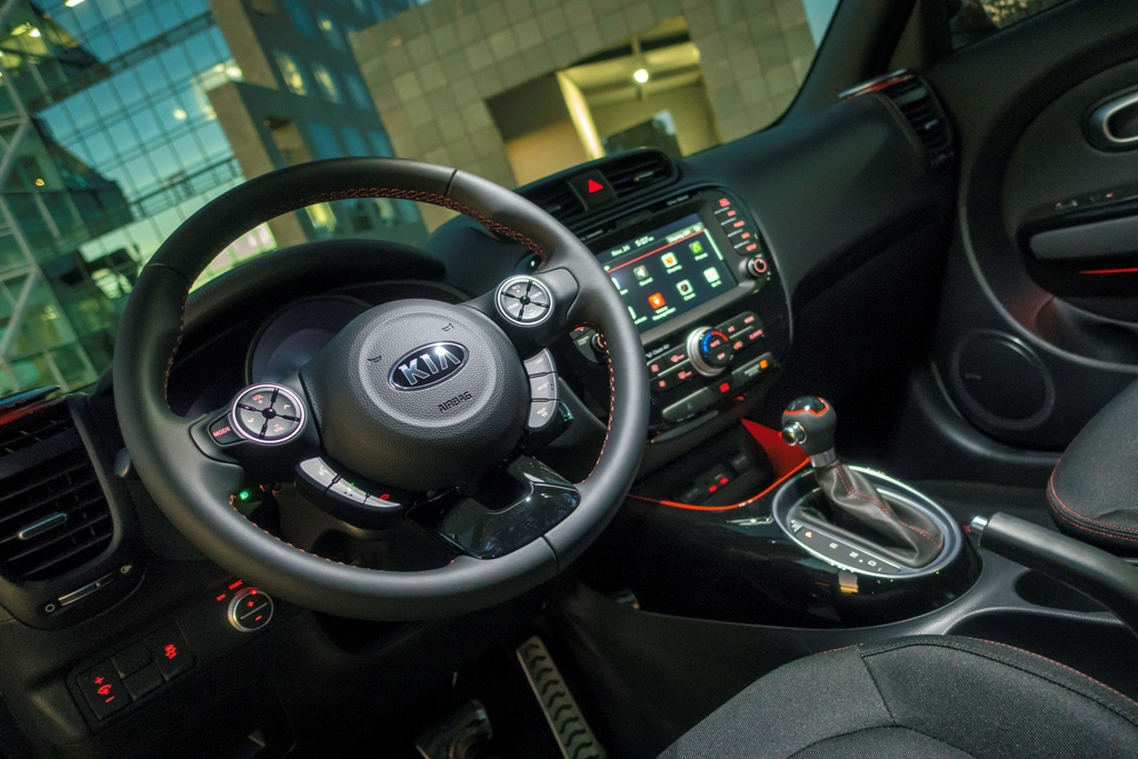 2016 Kia Soul Red Zone Special Edition Interior | The News Wheel