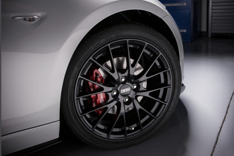 2016 Mazda MX-5 Brembo brake package
