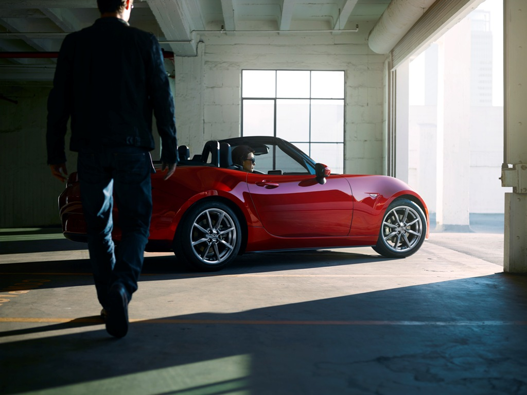 2016 mazda mx 5 garage shot the news wheel. Black Bedroom Furniture Sets. Home Design Ideas