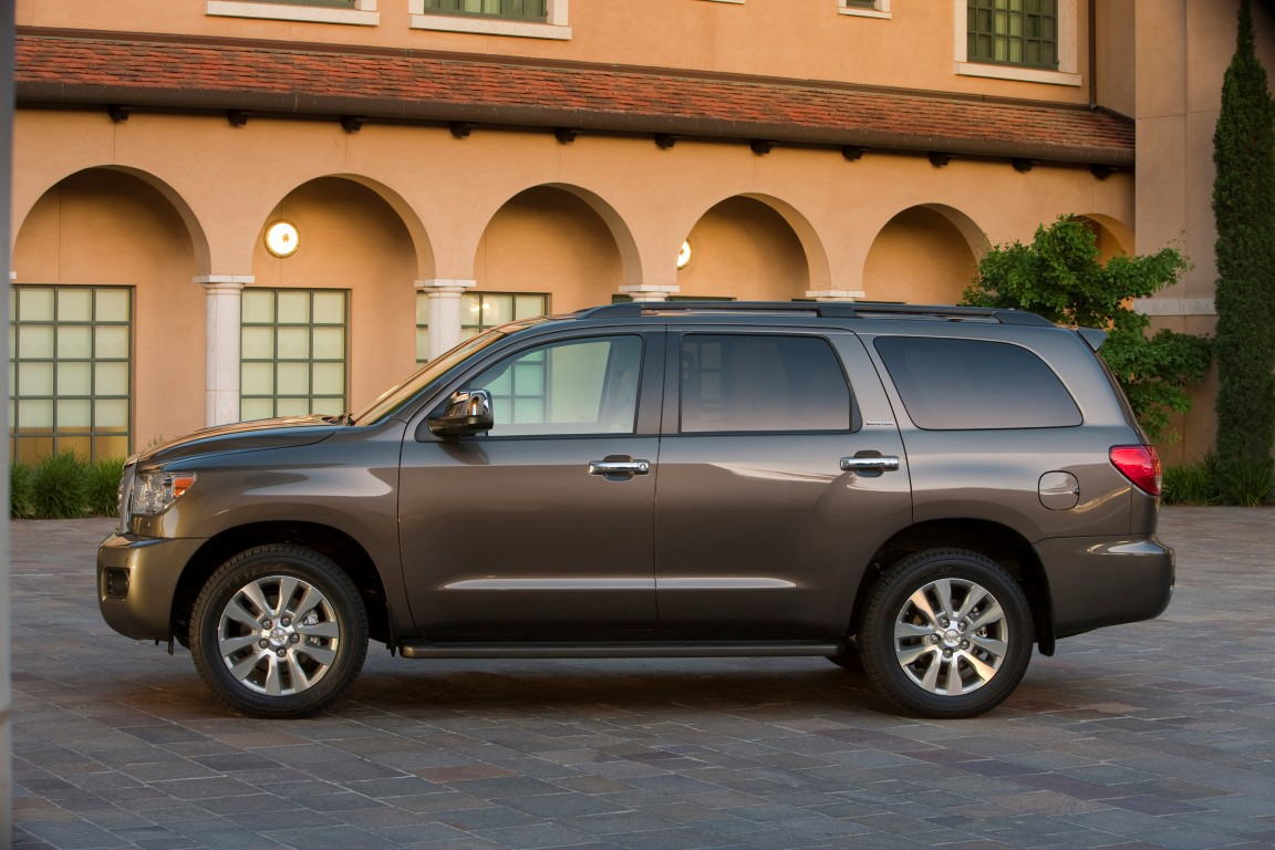 2016 toyota sequoia 33 the news wheel. Black Bedroom Furniture Sets. Home Design Ideas