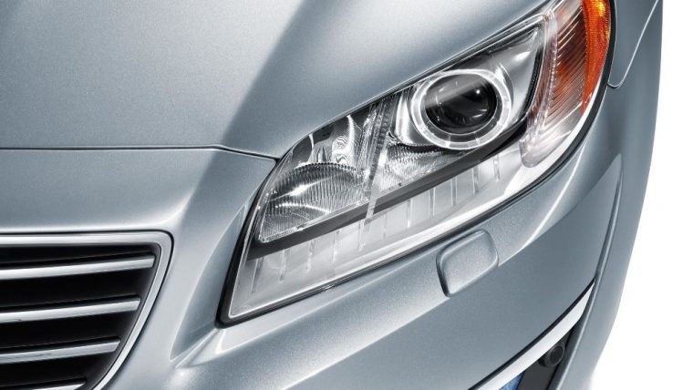 Active Dual Xenon Headlights w/Washers come with the 2016 Volvo S80