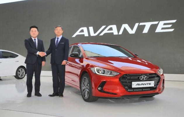 2017 Hyundai Elantra compact sedan design reveal debut
