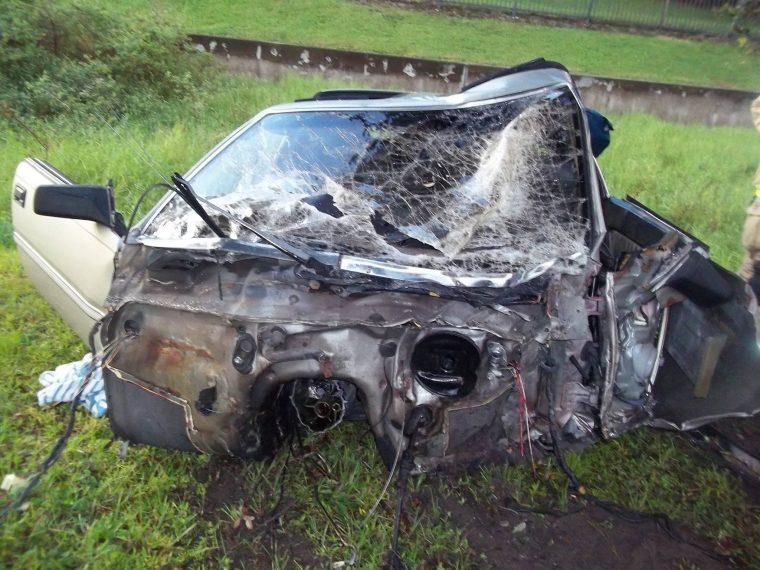 Back half of crashed Nissan
