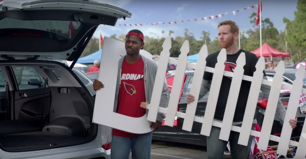 Hyundai D-Gate Fence stealing commercial for Hyundai Tucson NFL sponsor football