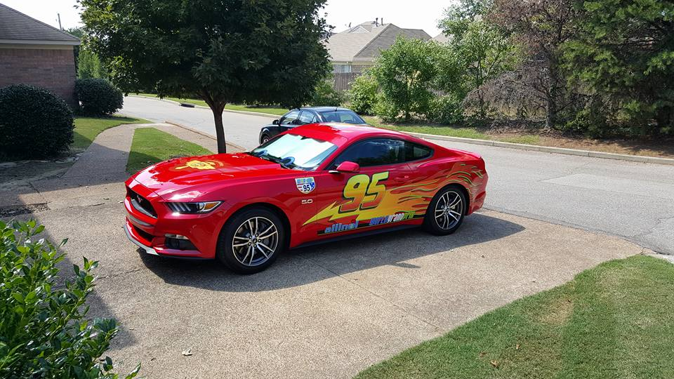 & Memphis Dad Turns Mustang into Lightning McQueen | The News Wheel azcodes.com