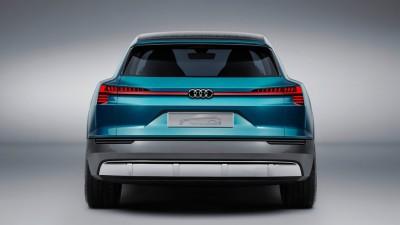 Audi e-tron quattro concept back Frankfurt