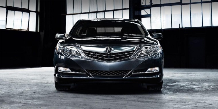 The 2016 Acura RLX comes with a smoked chrome finish for front grille