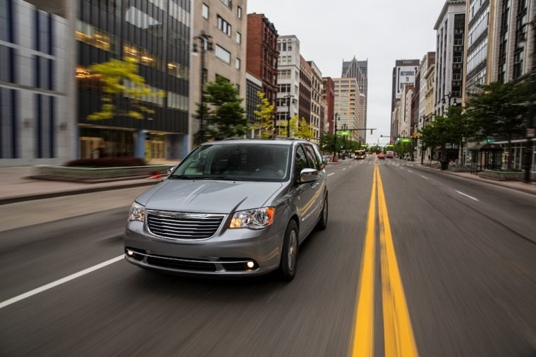 2016 Chrysler Town & Country Driving