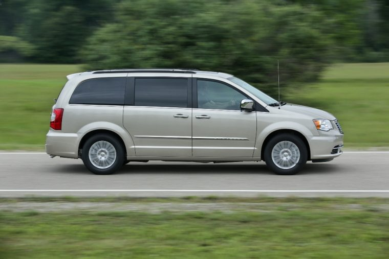 2016 Chrysler Town & Country Performance