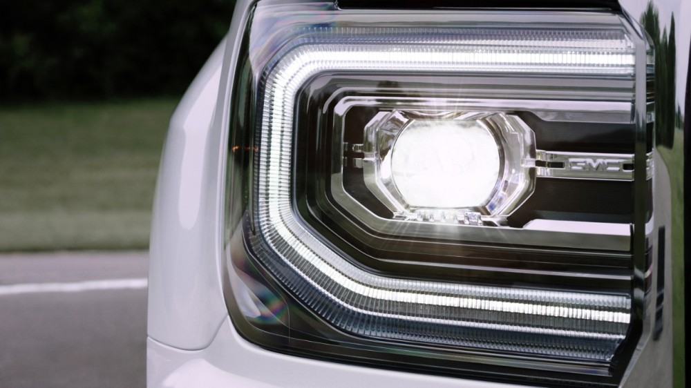 How To Make Your Car S Headlights Brighter The News Wheel