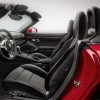 The interior fo the 2016 Porsche Boxster comes with sport seats plus with elevated side bolsters