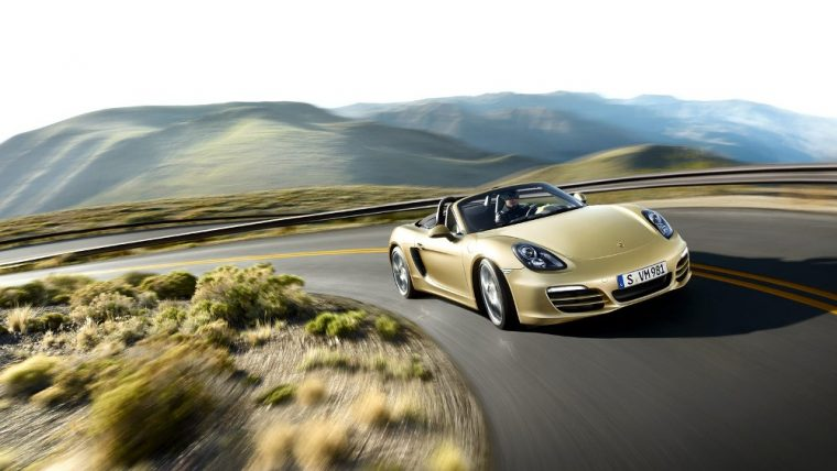 The 2016 Porsche Boxster comes available with numerous exterior color options.
