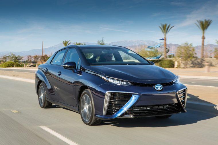 2016 Toyota Mirai overview