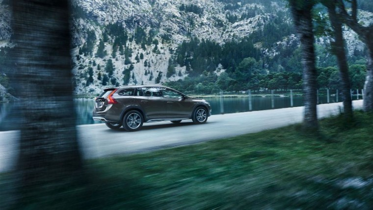 The 2016 Volvo V60 Cross Country sports a 2.5-liter turbocharged five-cylinder engine good for 250 horsepower