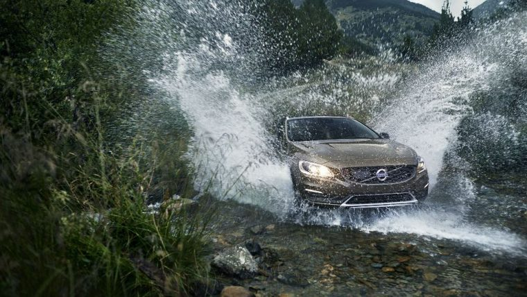the 2016 Volvo V60 Cross Country features navigation with voice activation