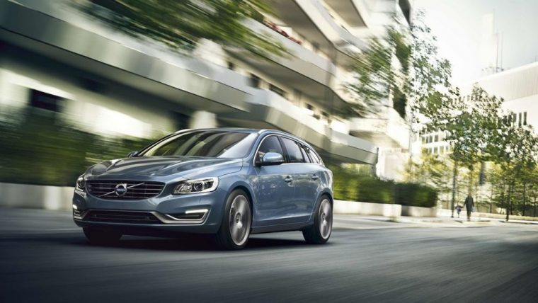 Polished alloy wheels come with the 2016 Volvo V60.