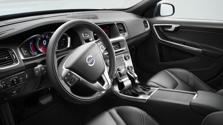 The 2016 Volvo V60 features many great interior technologies.
