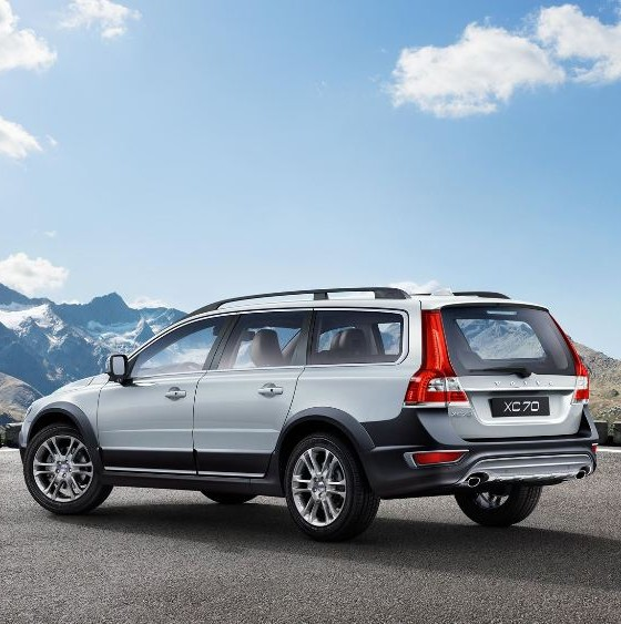 2016 volvo xc70 overview the news wheel. Black Bedroom Furniture Sets. Home Design Ideas