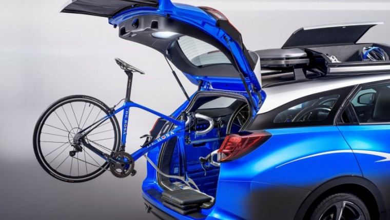 honda-civic-tourer-active-life-loading-bikes