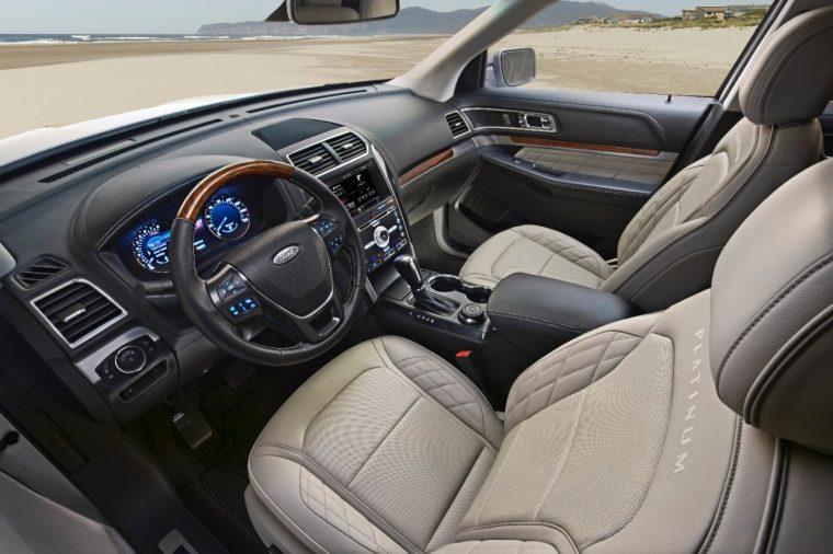 2016 Ford Explorer Platinum front seats
