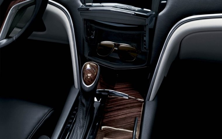 The 2016 Cadillac XTS features a Leather-wrapped shift lever