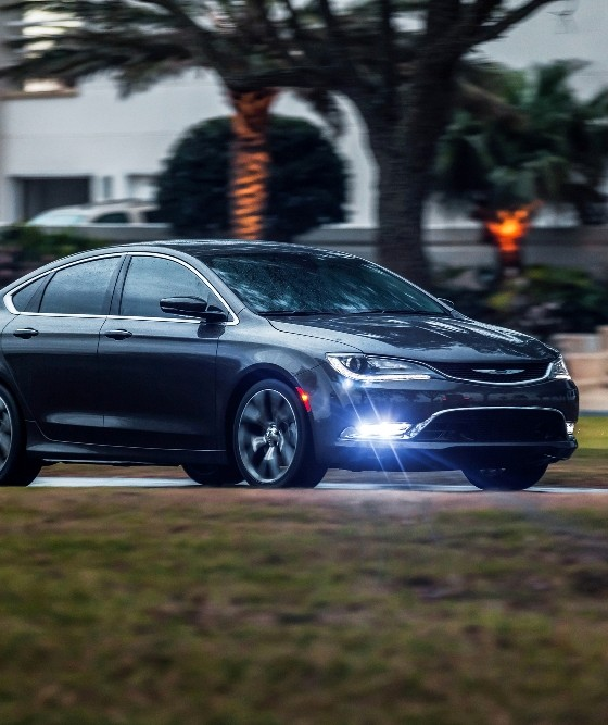 2016 Chrysler 200 Overview