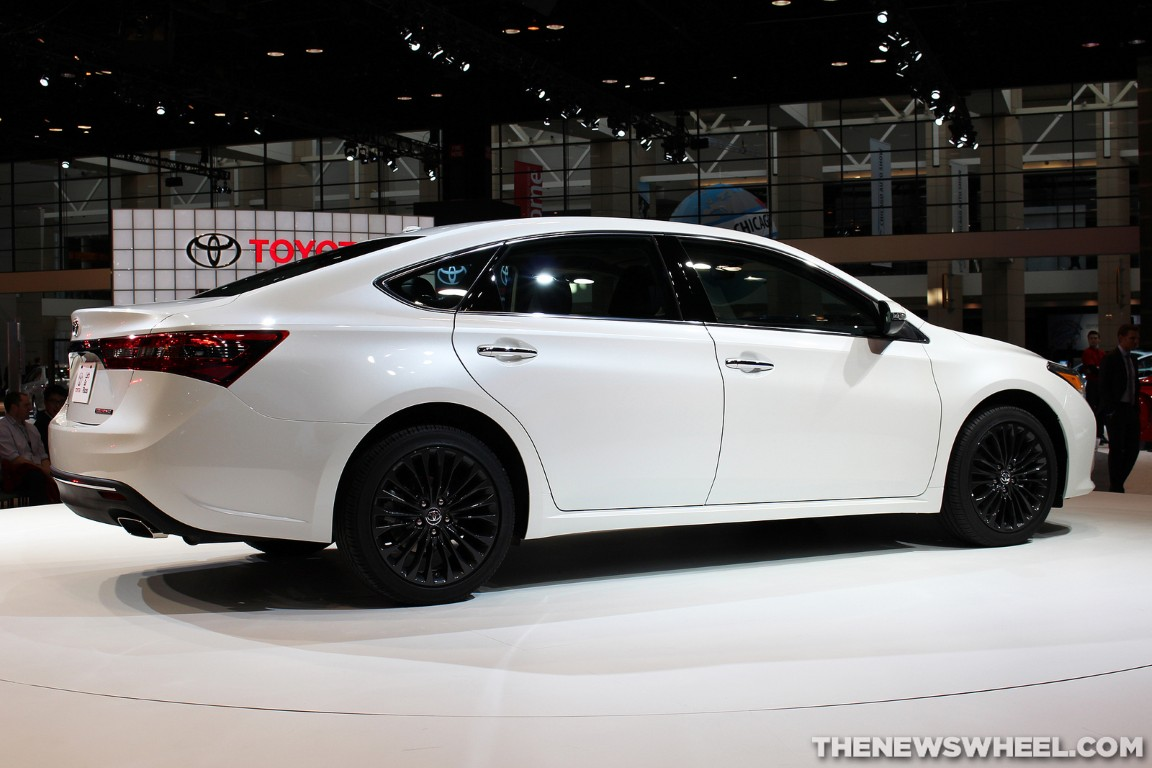 2016 toyota avalon overview the news wheel. Black Bedroom Furniture Sets. Home Design Ideas