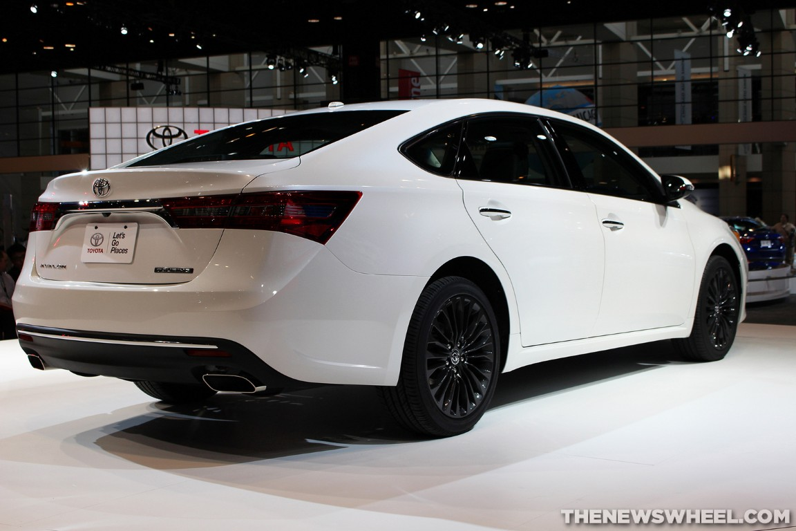 2016 toyota avalon 15 the news wheel. Black Bedroom Furniture Sets. Home Design Ideas