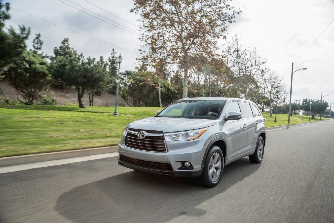 Toyota Highlander Xle >> 2016 Toyota Highlander Overview - The News Wheel