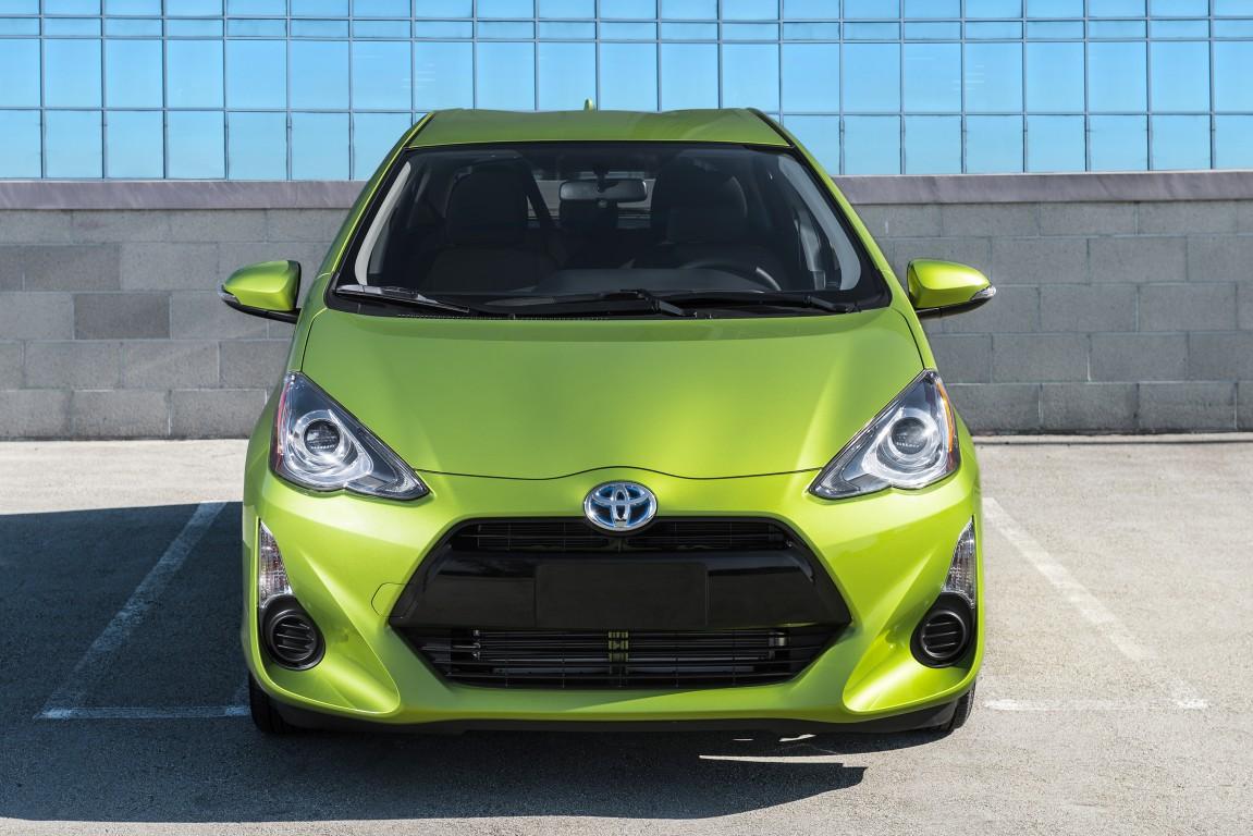 2016 Toyota Prius C 14 The News Wheel