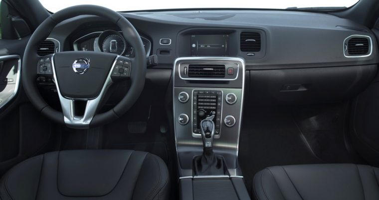 The interior fot he 2016 Volvo S60 comes with heated front seats