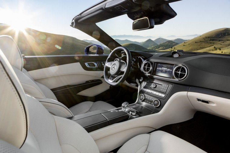 2017 Mercedes-Benz SL-Class interior
