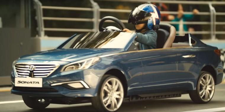 Driving While Blind Inspirational Hyundai Video Shows Potential of Autonomous Driving Tech sonata