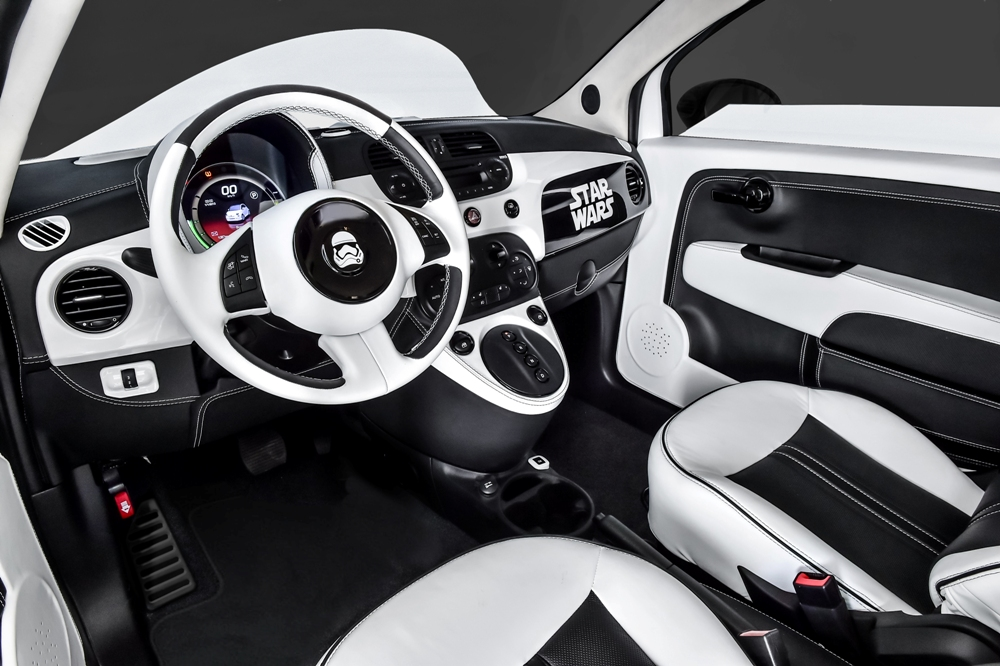 star wars themed fiat 500e mesmerizes the audience at the la auto show the news wheel. Black Bedroom Furniture Sets. Home Design Ideas