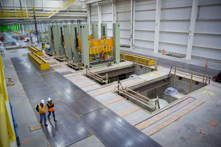 GM Lansing Grand River Assembly receives new stamping presses