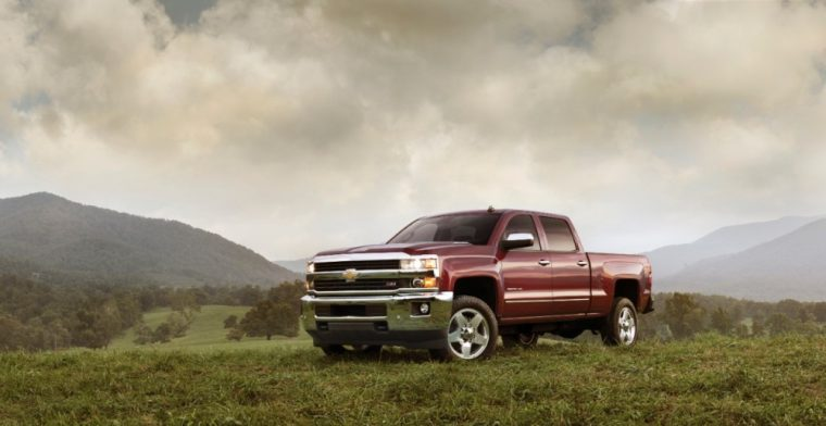 The 2016 Chevrolet Silverado 2500 HD comes standard with 17-inch painted steel wheels