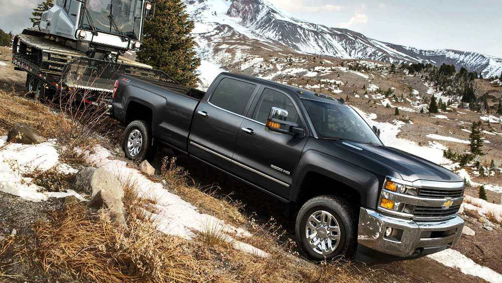 The 2016 Chevrolet Silverado 3500HD Defies Expectations  |2016 Chevy 3500hd