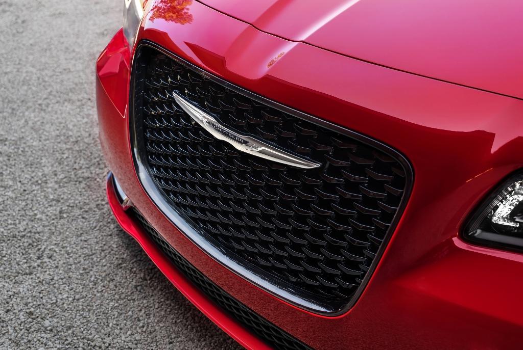 New 300 Chrysler 2016 >> 2016 Chrysler 300 grille   The News Wheel