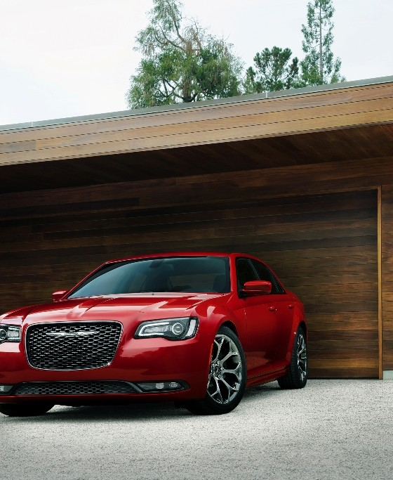 Chrysler 300 Named The 2018 Edmunds Most Wanted Award
