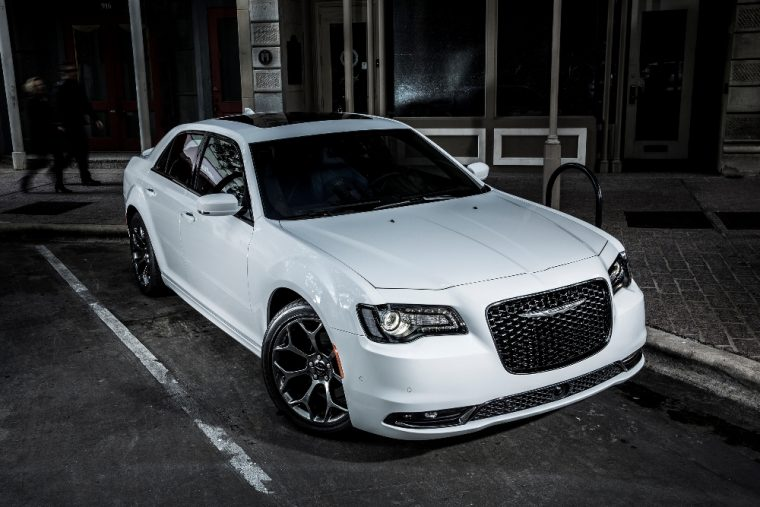 The 2016 Chrysler 300 comes with automatic headlights