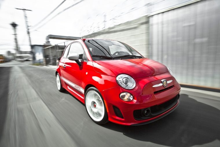 2016 Fiat 500 Abarth exterior (red)