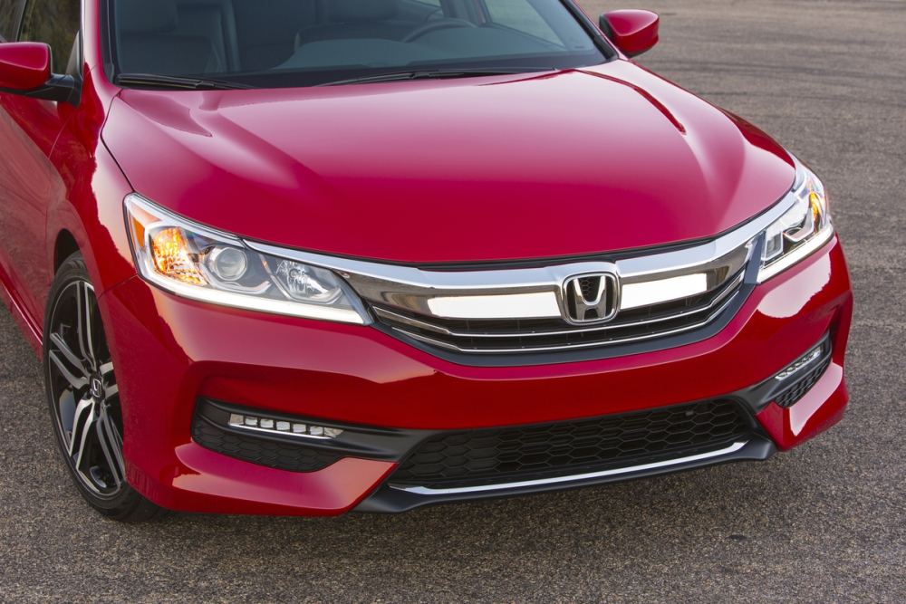 2016 Honda Accord front fascia | The News Wheel